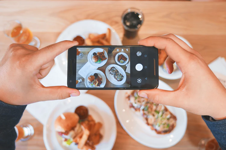 Instagram Influencers: The Science of Drawing Attention to Your Brand